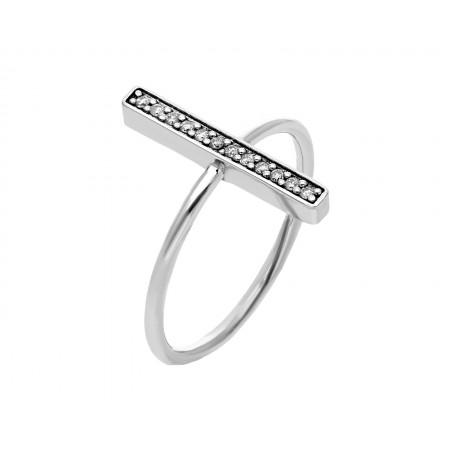 Stylish and unique diamond ring design in 14k